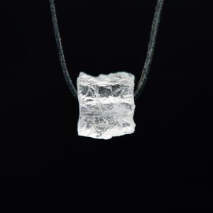 Handbehauene Bergkristall Würfel