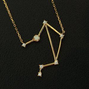 Sternbild Waage Opal Silber Anhänger vergoldet